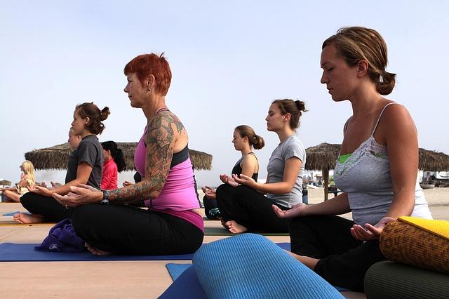 Йога упражненията са полезни при високо кръвно налягане..